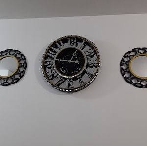 Wall clock with 2 mirrors decorated